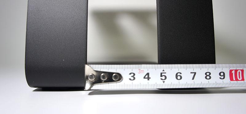 Stageekデスクトップスピーカースタンド 背面の穴のサイズ